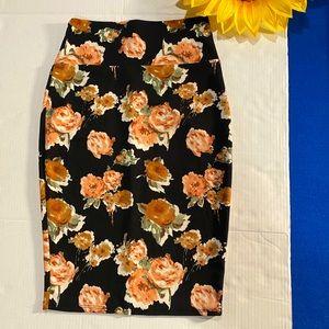 Silhouette NYC Medium Slip on Floral Skirt